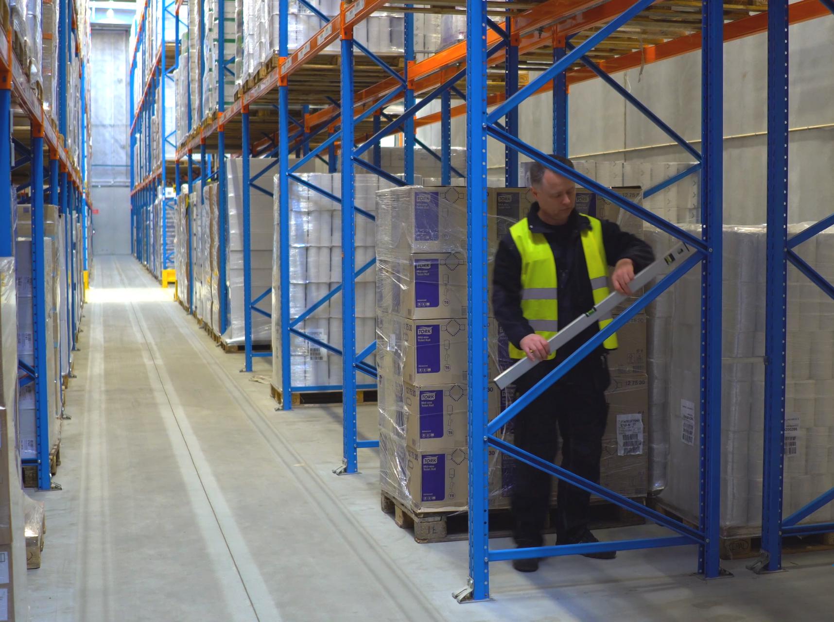 Stål reoler er et velegnet lagersystem til industri reoler, da de er godkendt til erhvervsbrug i industrien.